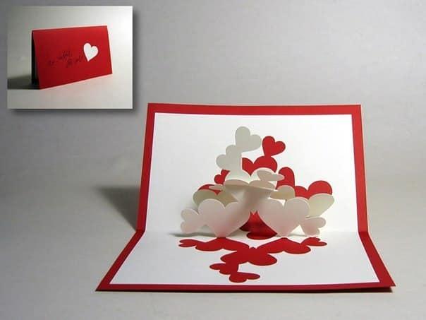 Открытка с объемными сердцами внутри на день Валентина