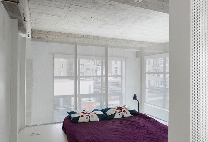 Белоснежная спальня в стиле Лофт в Брюсселе