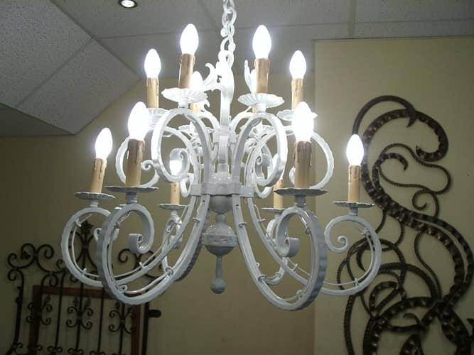 Светильник канделябр для старинной гостиной