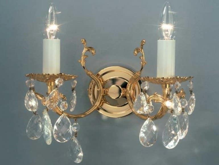 Настенный светильник со свечами для гостиной в старинном стиле