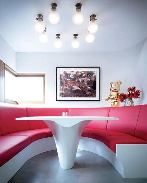 Идеи освещения для гостиной в стиле hi-tech