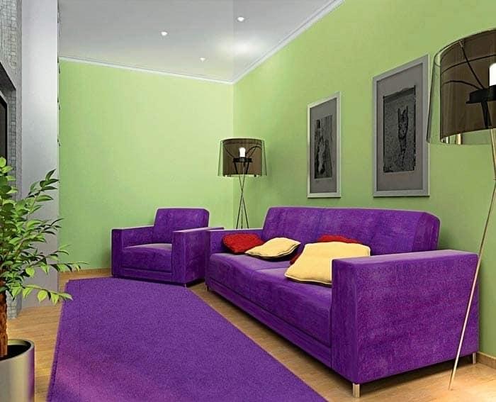Яркие фиолетовые детали