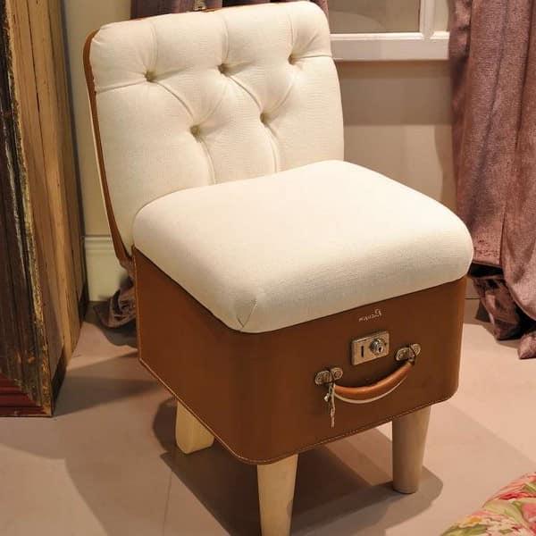 Как сделать кресло из чемодана