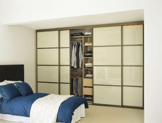 Фото гардеробной в шкафу в спальне