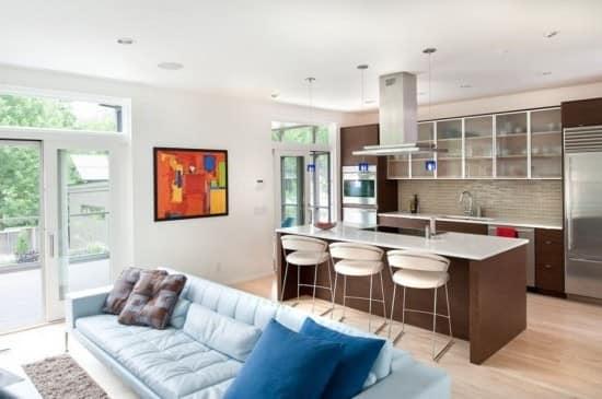 Фото светильников в совмещенной гостиной-кухне