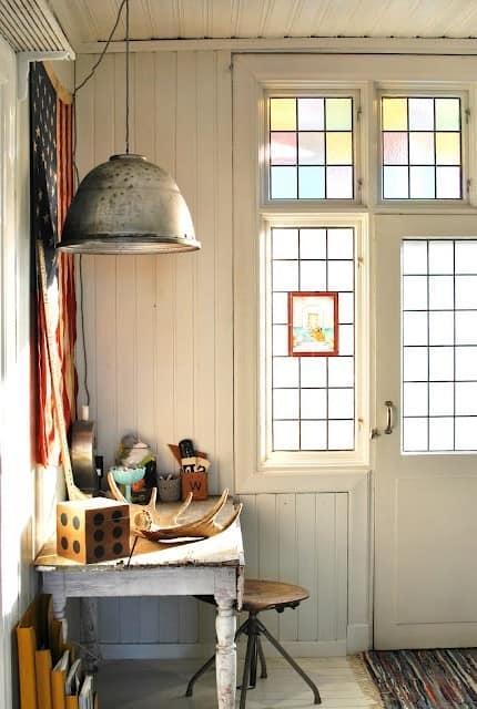 Витражи в дверях - естественное освещение и увеличение пространства