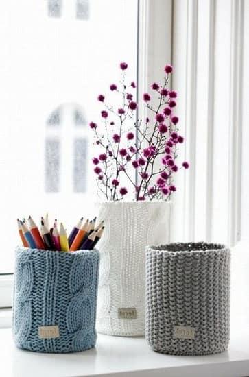 Вязаный декор ваз и подставок для карандашей