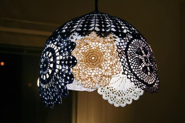 Светильник из кружевных салфеток своими руками