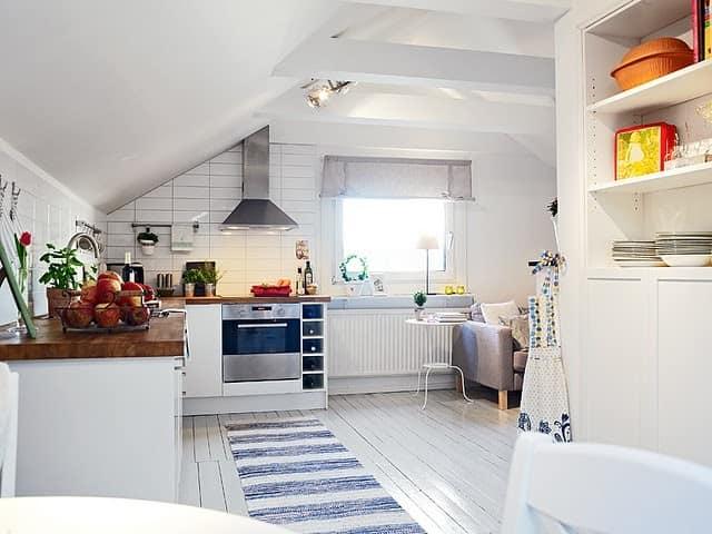 Как сделать кухню на чердаке