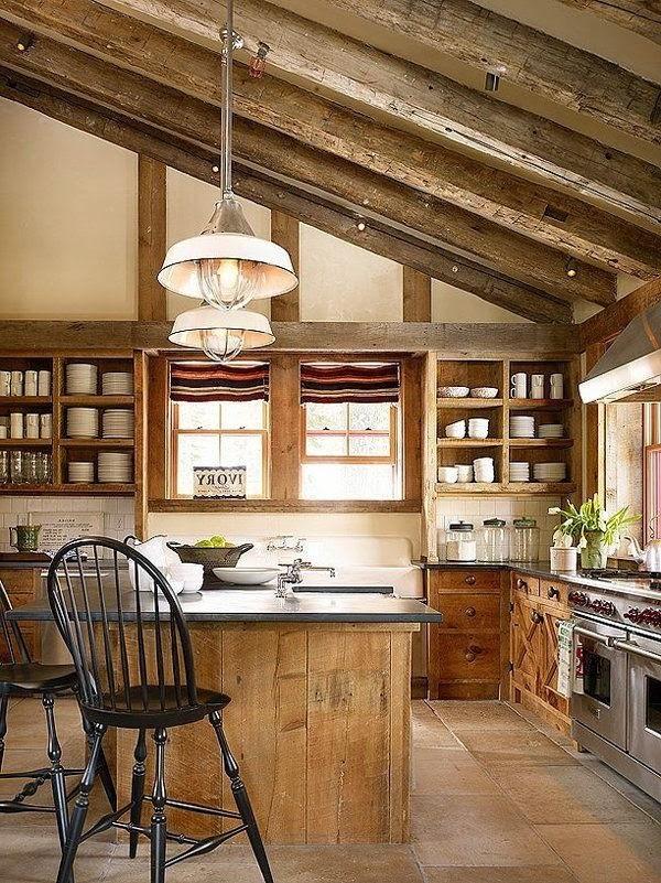 Кухня с островом на чердаке фото