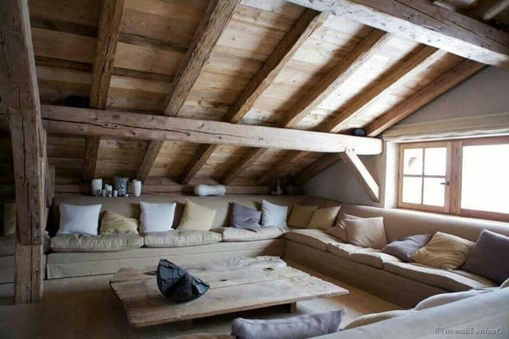 Место для отдыха летом на чердаке