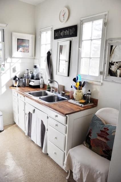 Зеркало в интерьере кухни фото