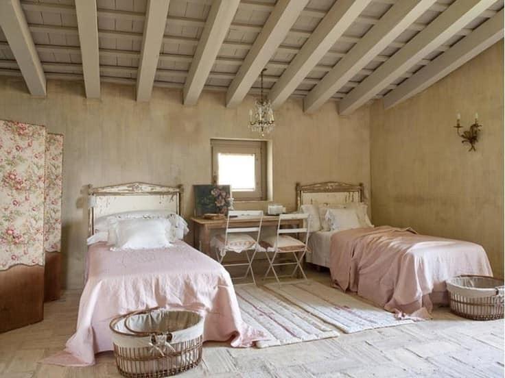Фото спальни под крышей своими руками