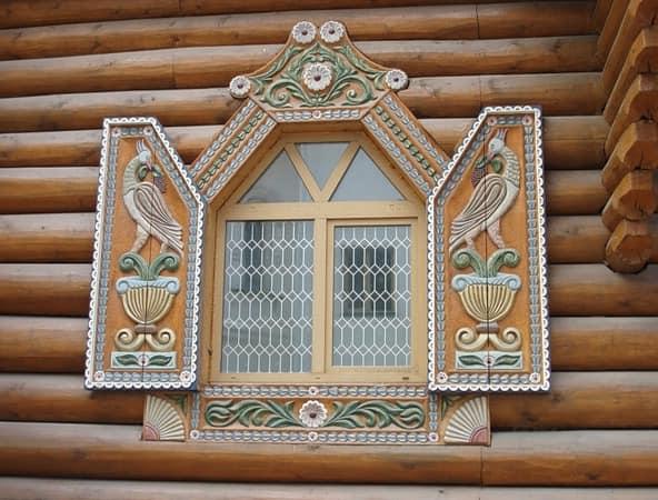 Русские деревянные узорчатые ставни