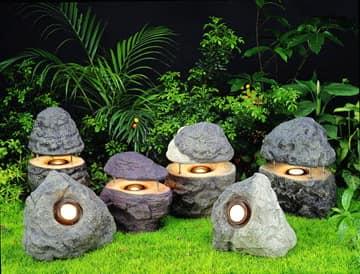 Газонные светильники в виде камней