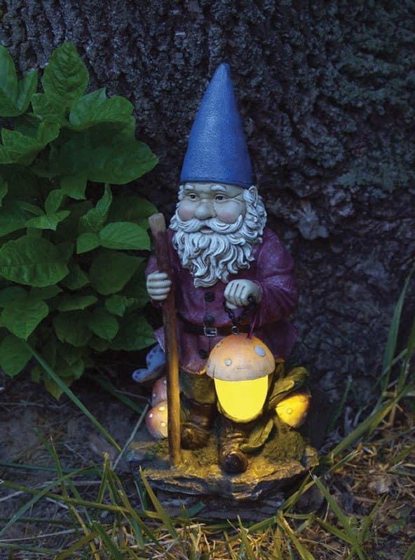 Светильник и садовая фигурка - гномик