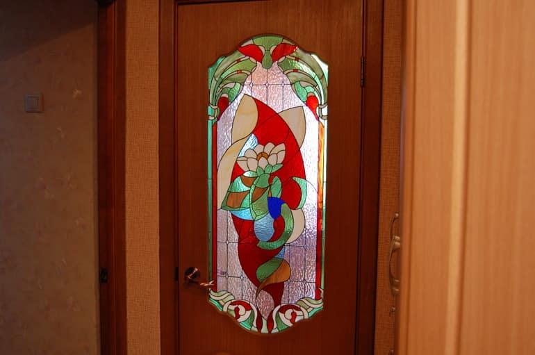 Красивый дверной витраж фото