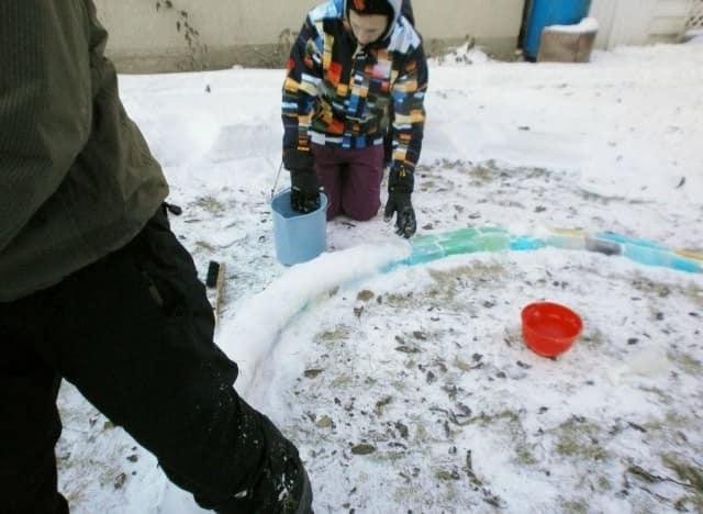 Вместо цемента - обычный снег