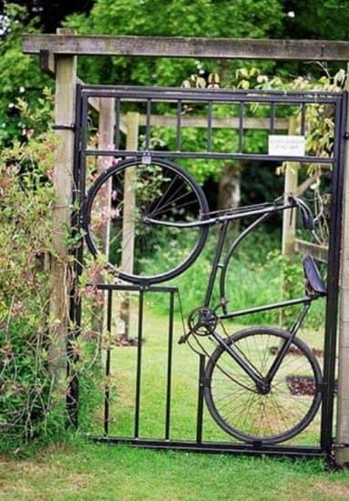 Калитка из старого велосипеда