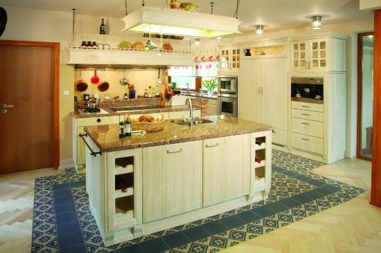 Кухня в стиле кантри в островом