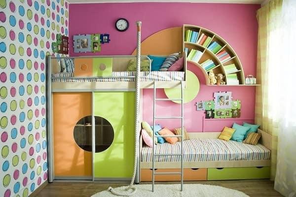 Зеленый и оранжевый в детской для разнополых детей