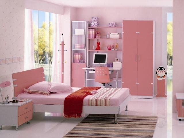 Кровать для девочки-подростка в розовой детской комнате