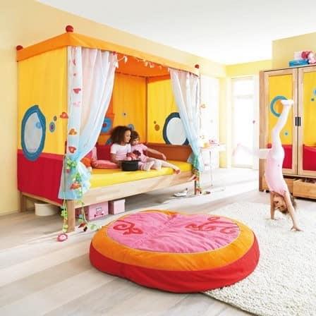 Кровать для девочки и домик для детских игр одновременно