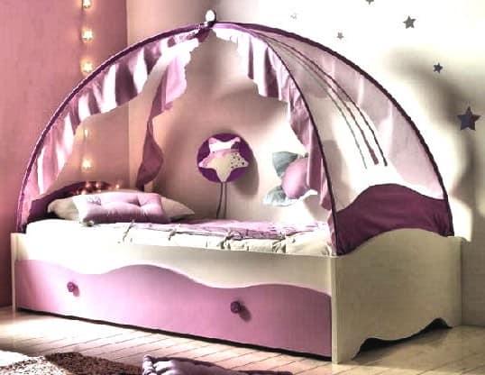 Сказочная кровать для девочки на фото