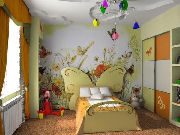 Лето в детской: кровать для девочки с бабочкой в изголовье