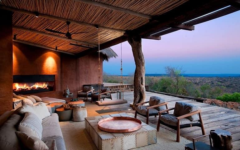 Открытая веранда для отдыха и релаксации на вилле в ЮАР
