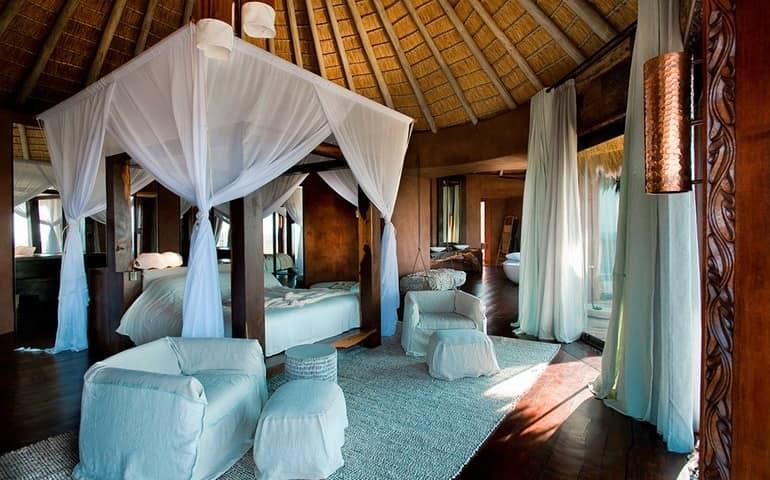 Шикарная спальня не вилле Leobo Private Reserve