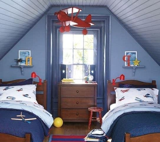 Детская комната для двух мальчиков на чердаке