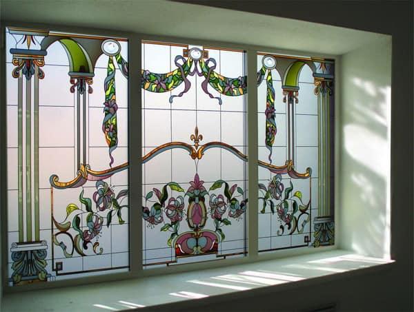 Витражное окно в доме фото