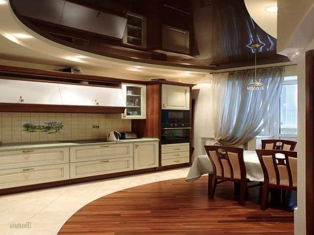 Коричневый цвет потолка на кухне