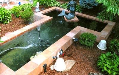 Готовый приподнятый пруд с фонтаном