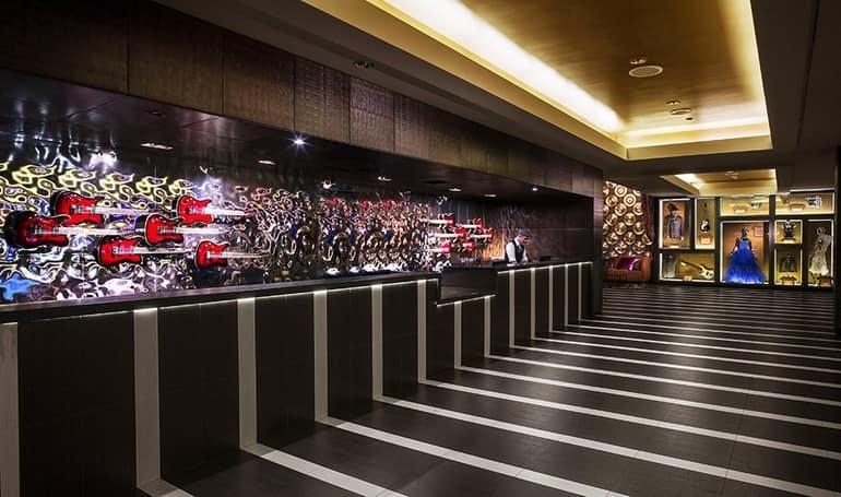 Отель Hard Rock для молодежи в Палм-Спрингсе