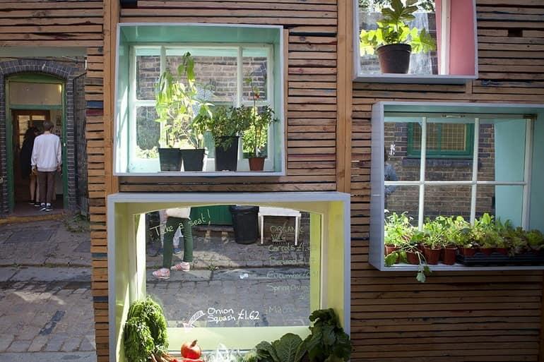 Экологичный магазинчик и декор из зеленых растений