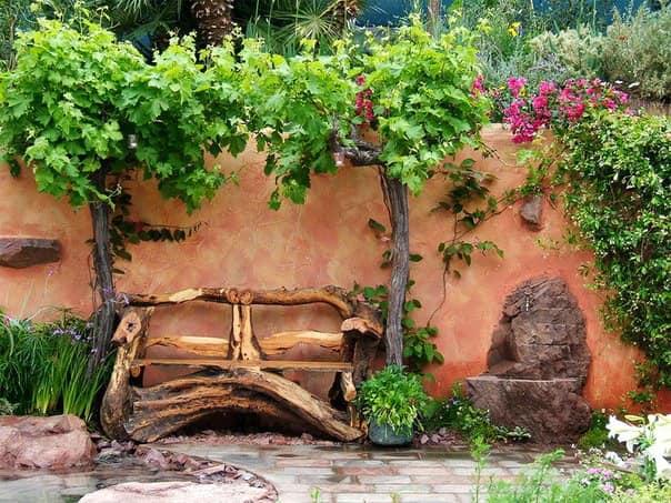 Самодельная скамейка из дерева фото