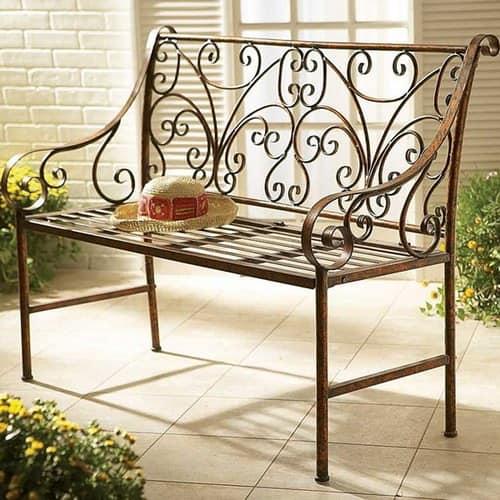 Кованая металлическая садовая скамейка