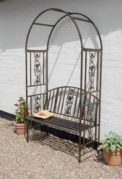 Красивая скамейка для сада из металла