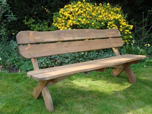 Простая скамейка для сада