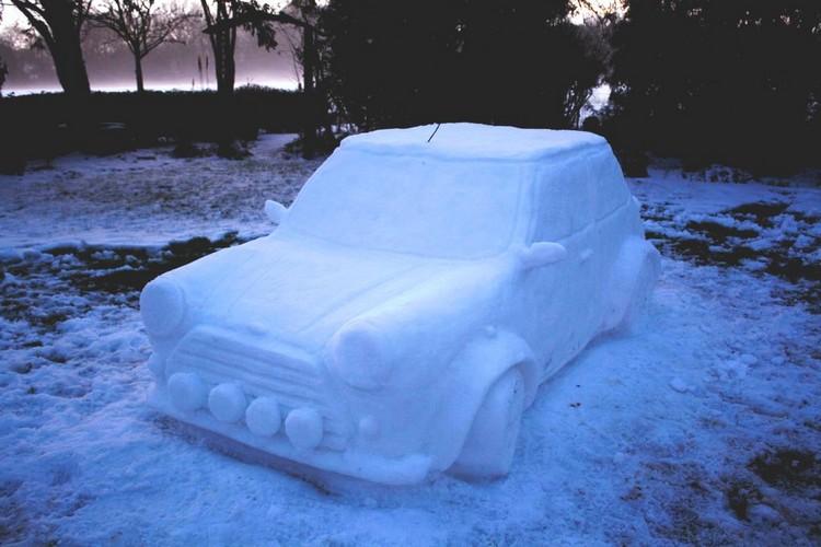 Делаем машинку из снега