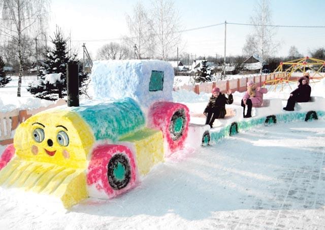 Забавный снежный поезд - зимняя поделка