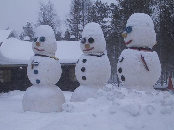 Три снеговика, три веселых друга