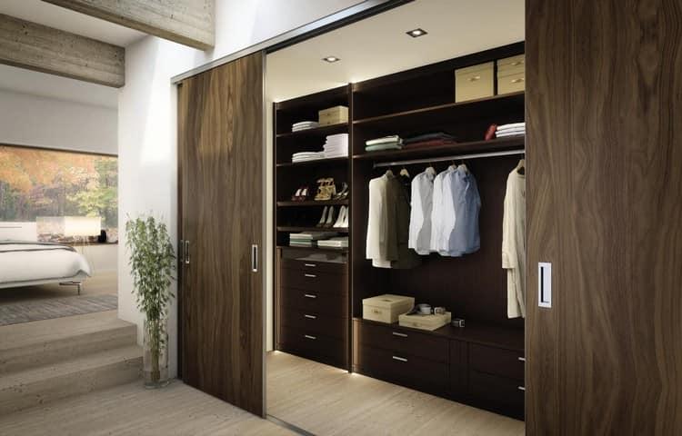 Шкаф гардеробная в спальне