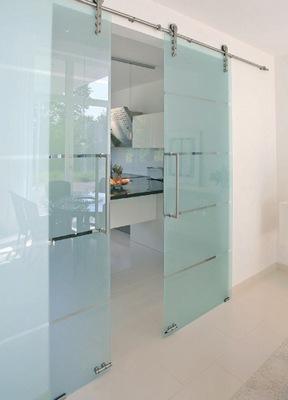 Откатная стеклянная дверь на кухню
