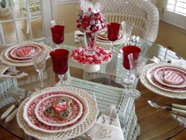 Украшаем стол на день святого Валентина