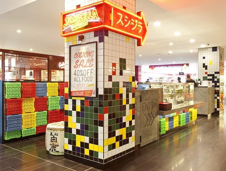 Центральная стойка в суши-баре Sushizilla