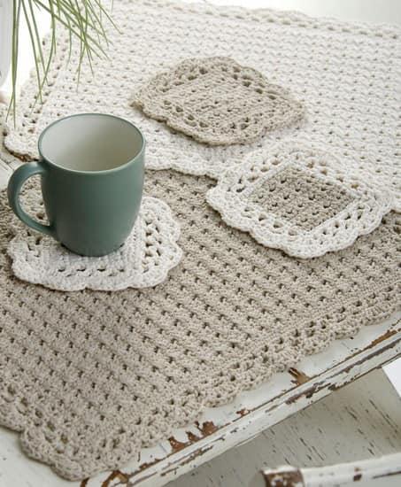 Вязаные салфетки для уютного зимнего чаепития