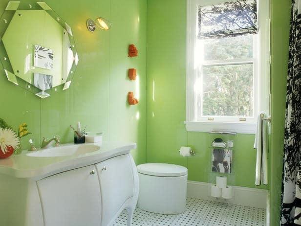 Пастельная зелень в ванной